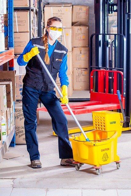 Zetadue è specializzata nei prodotti per la pulizia industriale e professionale